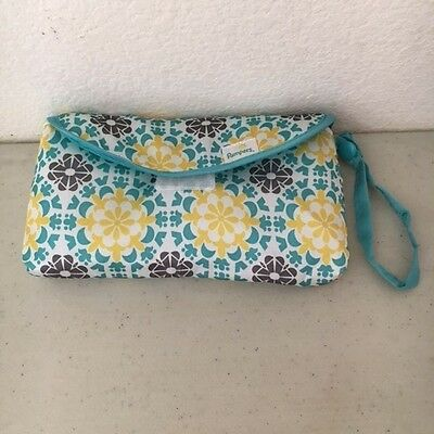 Pampers diaper bag, with one newborn diaper and wipes #8