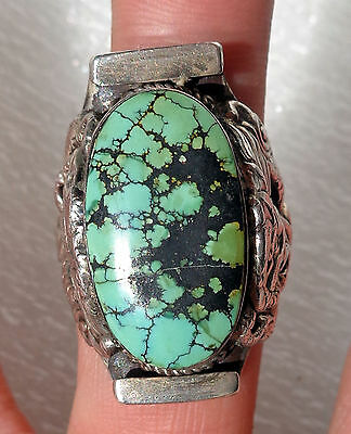 Old and fine Tibetan dragon ring made in silver and Turquoise