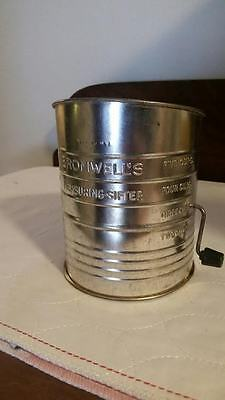 Vintage Bromwell's 5 Cup Flour Sifter Excellent Condition and FREE SHIPPING