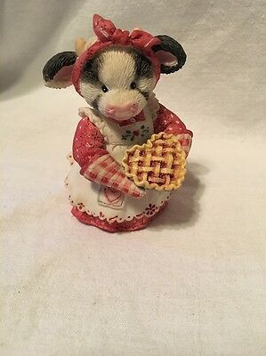 Figurine Mary's Moo Moos You're my sweetie pie 1994 cow with cherry pie 104272