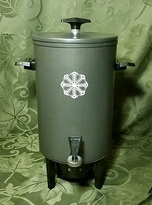 Miracle Maid West Bend 20 cup Coffee Maker Percolator Vintage Retro design WORKS