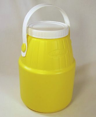 VERY RARE Vintage LIPTON TEA Plastic Yellow JUG Container with BAIL HANDLE EUC!