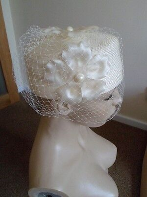 Vintage Cream Flowers And Pearls Pill Box Bird Cage Net Face Veil Dress Hat