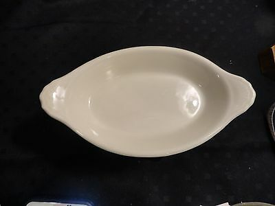 Vintage Hall individual augratin dish,6 1/2 inches x 3 1/2, excellent condition