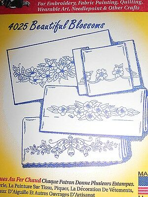 "Aunt Martha's Hot Iron Transfer # 4025 "" Beautiful Blossoms """