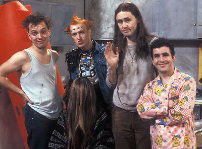 Christopher Ryan, Rik Mayall & Adrian Edmondson photo - H4371 - The Young Ones