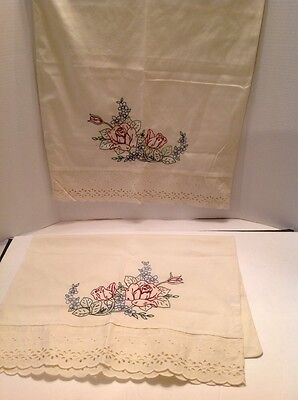 Vintage Set of 2 Hand Embroidered Pillow Cases Eyelet Lace Roses Floral Pattern