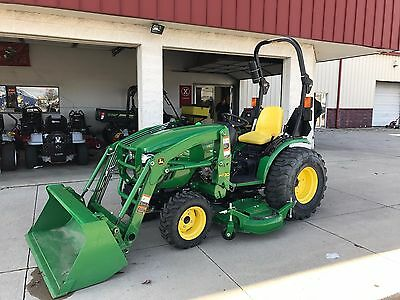 Used John Deere 2032R Tractor Loader Mower