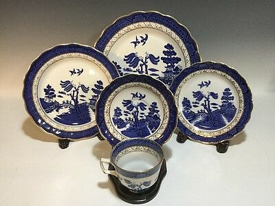 Royal Doulton Booths Real Old Willow 5 Pc.Place Setting Gold Accent Blue Willow