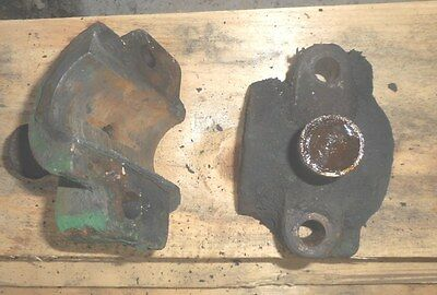 Vintage  2 1/4 hp  UNITED Hit & Miss Old Gas Engine main bearing caps
