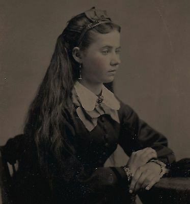 OLD VINTAGE ANTIQUE TINTYPE PHOTO PORTRAIT of BEAUTIFUL PRETTY YOUNG TEEN GIRL