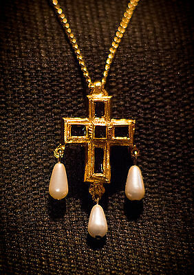 Cross Pendant with enamel and faux pearls - W-41