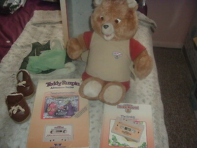 Interactive 1980 Worlds Of Wonder Teddy Ruxpin w/Box,2 Books/2Cassettes/Outfit!