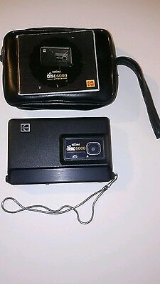 1983 Vintage Kodak 6000 Disc Camera and Pouch with instructions.