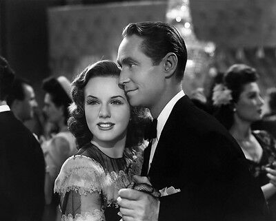 Deanna Durbin and  Franchot Tone UNSIGNED photo - H4615 - His Butler's Sister