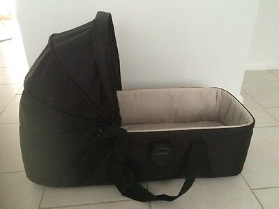Carrycot mountain buggy swift