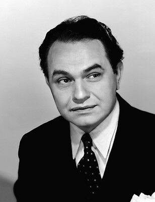 Edward G. Robinson UNSIGNED photo - H4696 - HANDSOME!!!!!