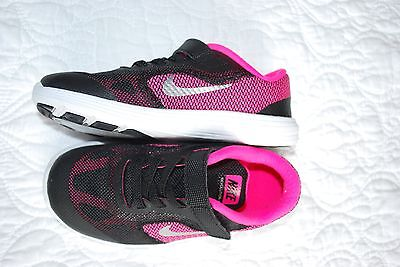 Girls Nike Revolution 3 Black and Pink Size 10C Shoes