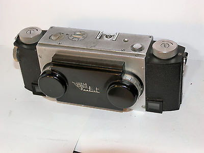 stereo realist F:3.5 3D camera with leather case