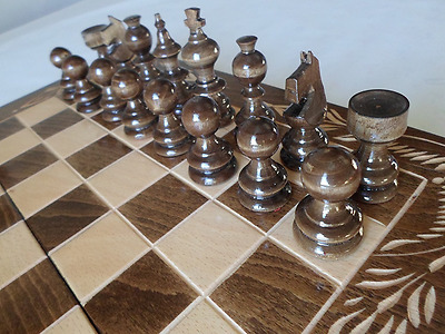 Hand Crafted Beech Wooden Chess And Backgammon Set 26 x 26 cm (Brown/Natural)
