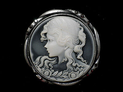 Beauty Hand CARVING CAMEO ~48mm*48mm.(ec891)