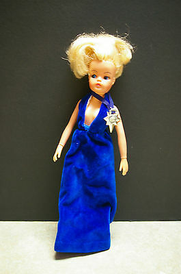 Vintage 1976 'lovely Lively' 'sindy' Doll With Blue Velvet Gown & 's' Necklace