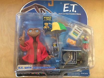 NEW - Collectable Toys R Us Interactive E.T & Communicator the extra terrestrial