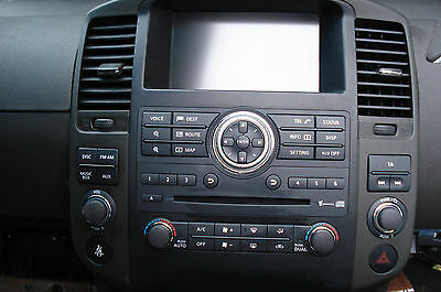 Nissan Navara D40, Sat nav/stereo/cd unit including screen and all switches