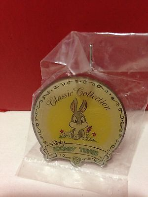 Looney Tunes BABY Lapel Pin 1997 WB Classic Collection Baby Bugs Bunny