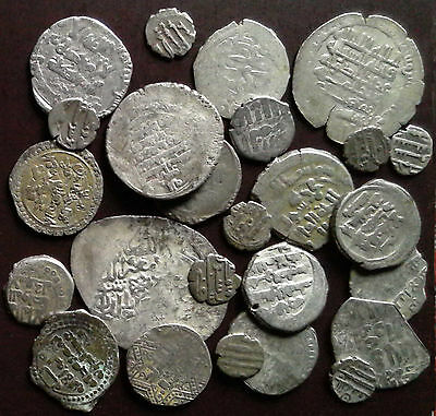 Medieval Islamic silver coins, mixed lot of 25 pieces