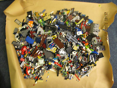 LEGO   LARGE ASSORTED LOT OVER 4KGS  ( lot 2 )
