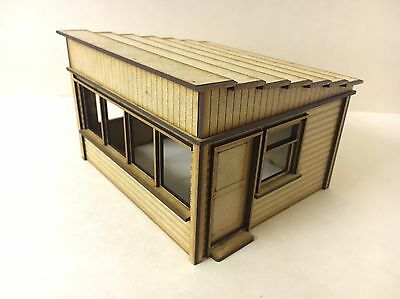 1/32 Scale UK Marshal Hut Scalextric Or Magnetic Racing
