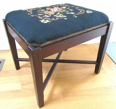 Vintage Mahogany Needlepoint Piano Vanity Foot Stool Bench Ottoman Organ Chair