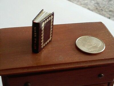 Borrower's Press Miniature book Mark Twain  Numbered/signed RARE! Excellent.