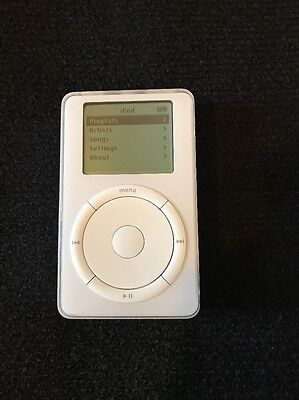 Apple iPod classic 1st Generation White (5GB)- GWO + new battery fitted