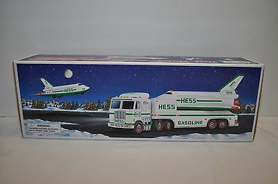 1999 Hess Toy Truck & Space Shuttle & Satellite new In Box + batteries