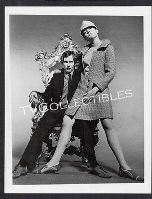 8x10 Photo~ DIANA RIGG~George Lazenby~James Bond~On Her Majesty's Secret Service