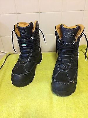 Men's Walking Boots Size 11 Used Once Like Brand New