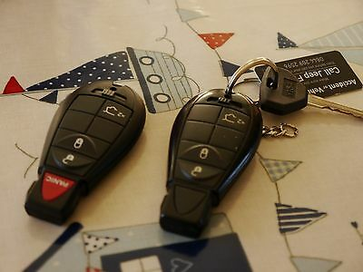 Jeep Grand Cherokee 3 Button Key With Battery Genuine Jeep  NEW