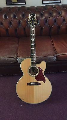 Gibson J185ce Electro acoustic Guitar ����
