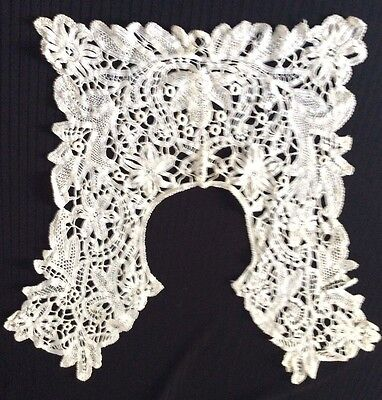 Beautiful Fine Detail Antique Vintage Honiton ? Lace Collar
