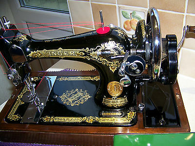 Outstanding Beauty 1940 Singer 28K Vs Hand Sewing Machine,case/key,accessories