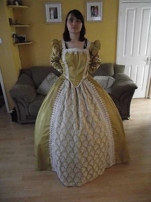 Stunning Gold And White Medieval Queen 2-Piece Gown (2XL - 16+)