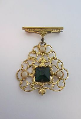 Vintage Filigree Fob Brooch Pin Green Stone Imitation Pearls Gold Tone 1940s