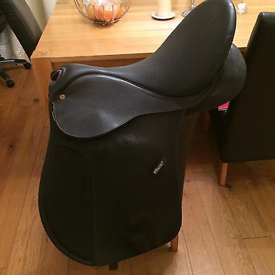"Wintec 17"" Synthetic Saddle"
