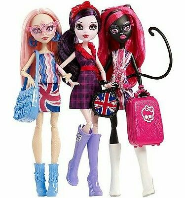 Monster High Ghoulebrities in Londoom 3 Pack Dolls Brand New