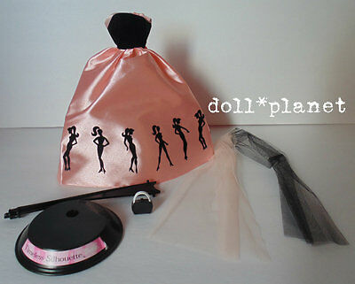 TIMELESS SILHOUETTE BARBIE FASHION Pink Gown, Wrap, Purse, Doll Stand Clothes