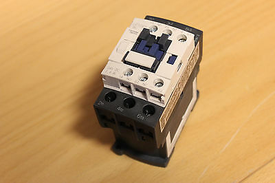 Schneider Electric LC1 D25 BL Contactor 24V DC