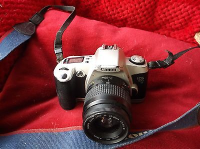 Canon EOS 500 35mm SLR Film Camera with 35-80mm lens Kit