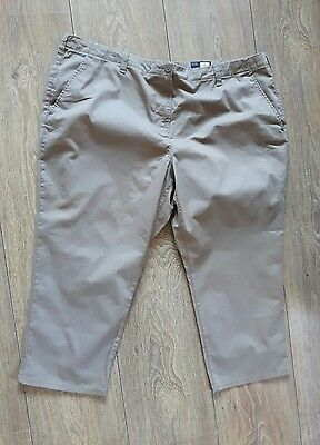 Ladies M&S Cropped Trousers  Size 22 Nwt